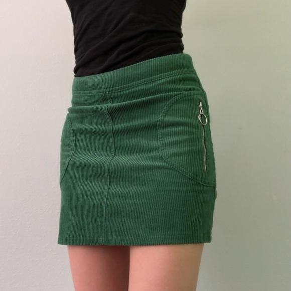 b4620d295c Forever 21 Dresses & Skirts - 😍New Forever 21 Green Corduroy Skirt w/  Zippers